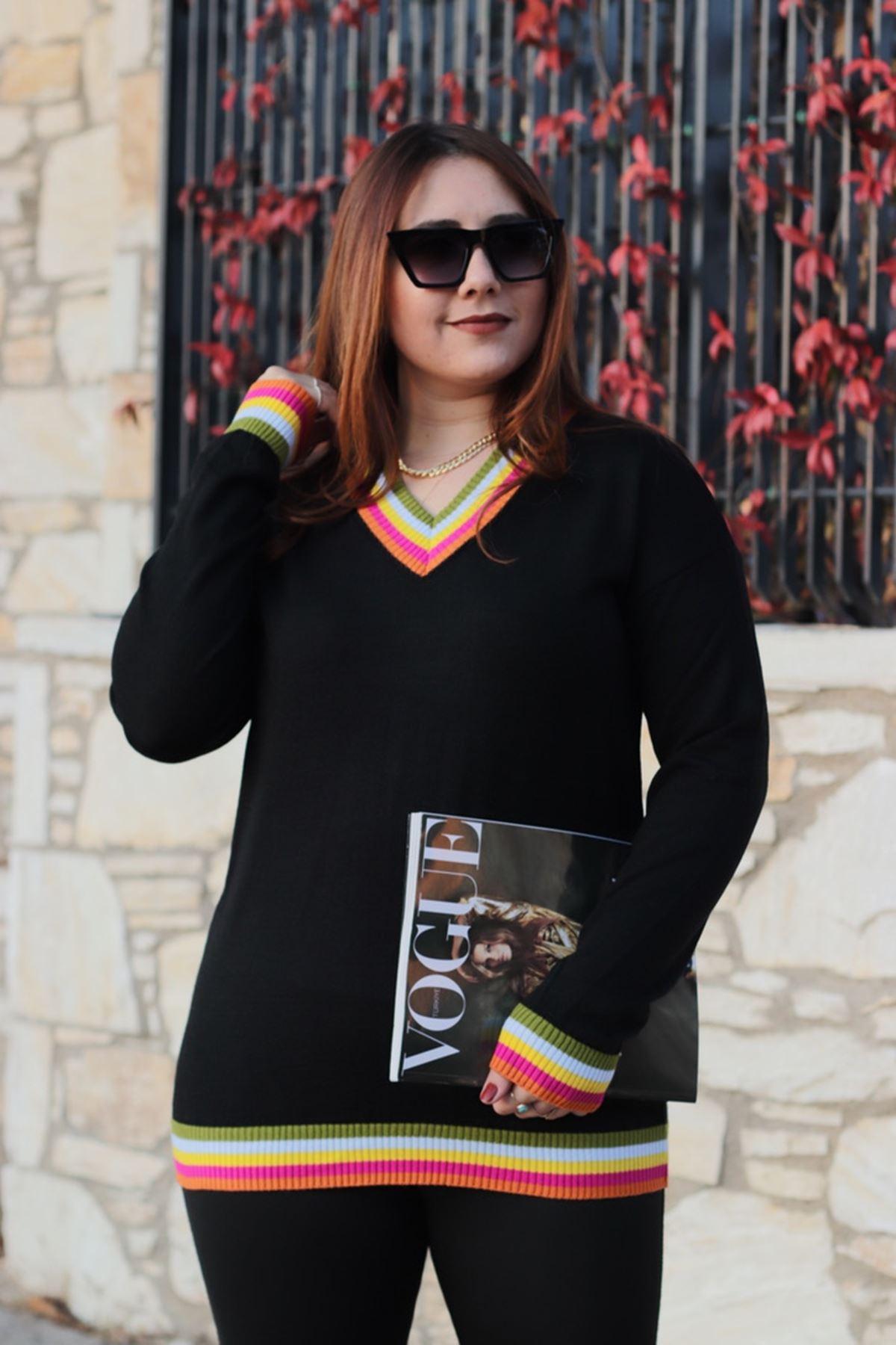 RENKTE V YAKA YAKASI RENKLİ SİYAH TRİKO KAZAK