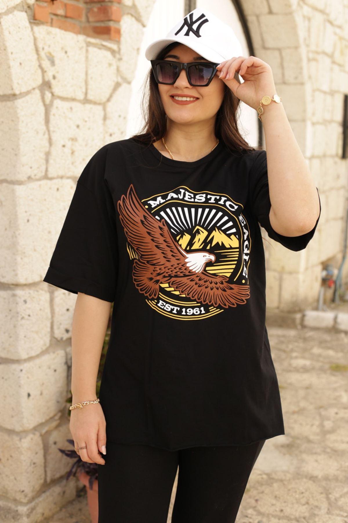 RENKTE BASKILI DUBLE KOL SİYAH T-SHİRT